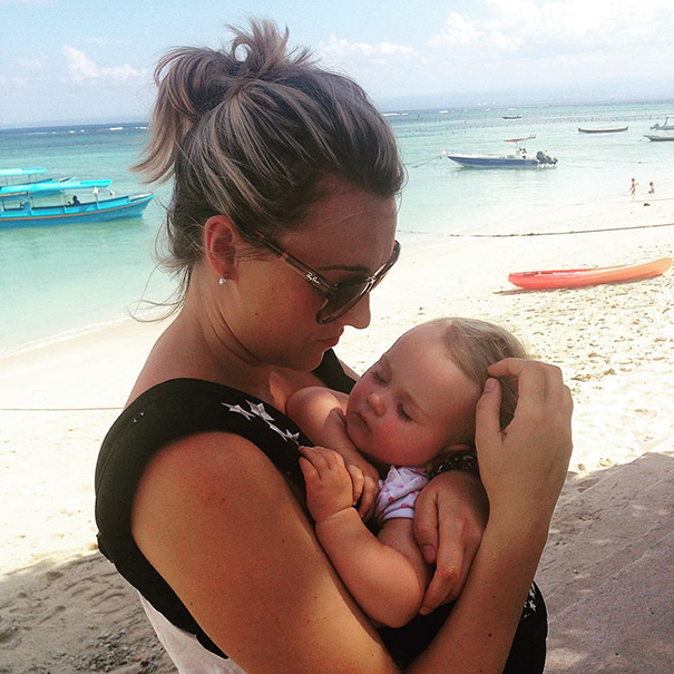 """""""It's also harder to find her things to do in London – well, compared to travelling anyway"""" - 1-Year-Old Has Been Travelling Around The World Since She Was Born"""