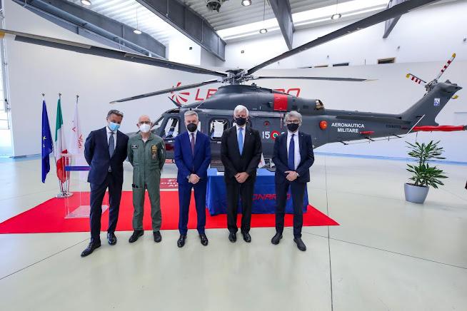 Leonardo consegna elicottero HH-139B all'Aeronautica Militare