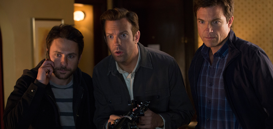 Charlie Day, Jason Bateman şi Jason Sudeikis în Horrible Bosses 2