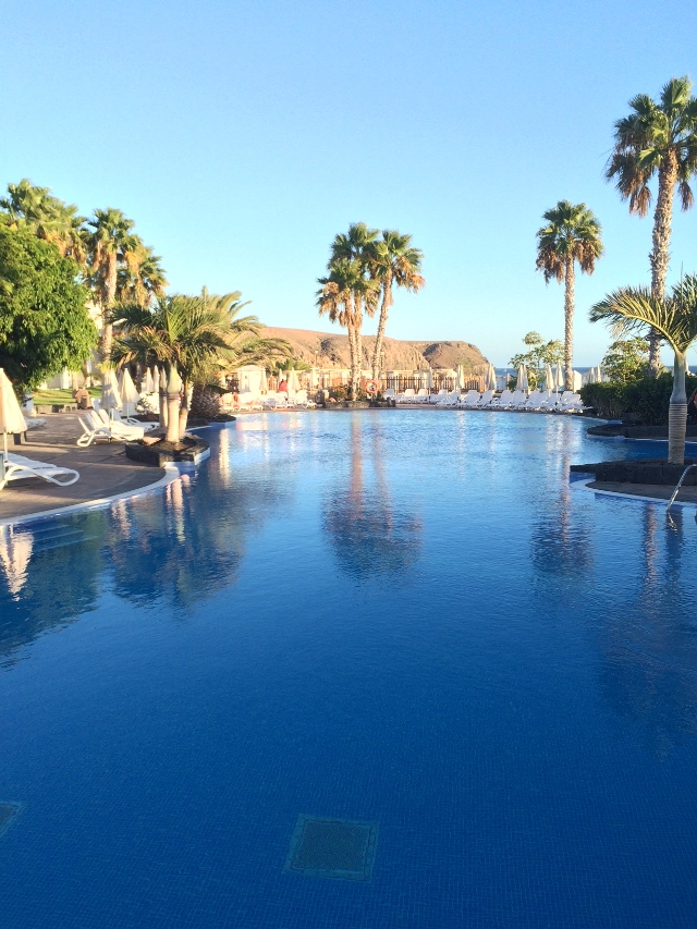 viajar lanzarote niños jameos del agua jardin cactus hervideros golfo