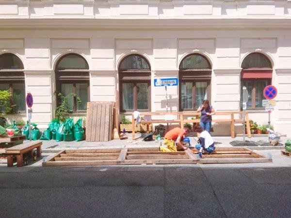 Begrünung im öffentlichen Raum - Und plötzlich steht es da. Unser Parklet.