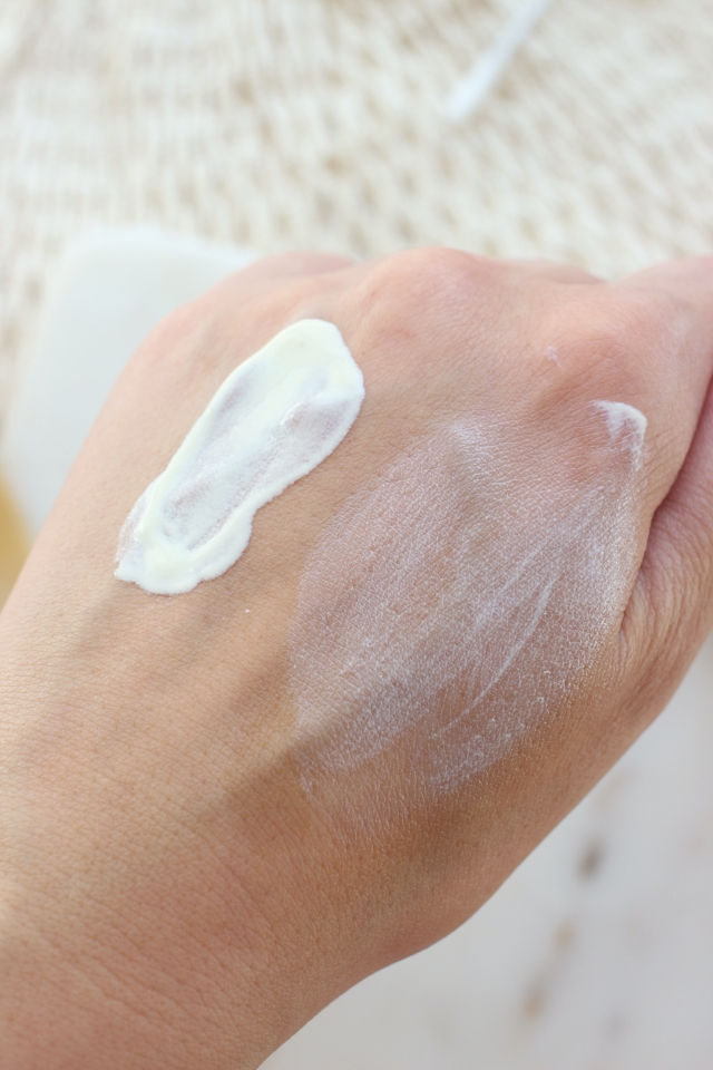 Clarins  UV Plus Multi-Protection Moisturizing Screen SPF50