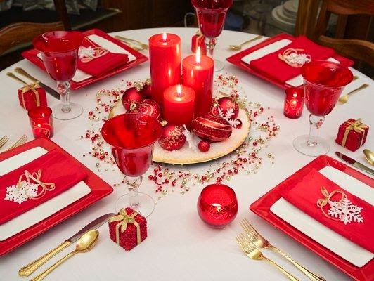 christmas table decoration in red part 4. Black Bedroom Furniture Sets. Home Design Ideas