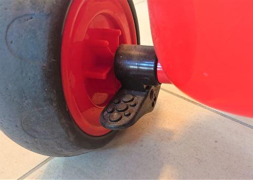 タイヤのロック機能
