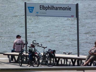 Fährstation HVV Elbphilharmonie
