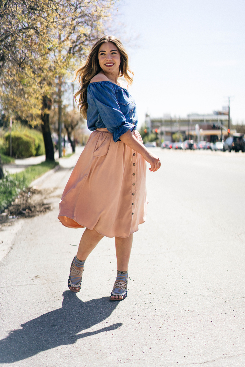button up skirt, midi skirt, spring outfit
