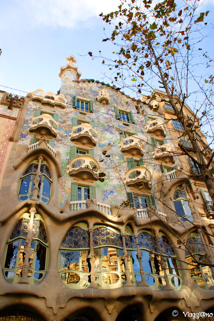 Casa Battlò di Gaudì nel quartiere Example