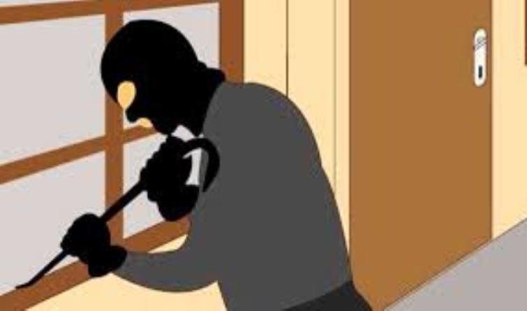 Dua Pelaku Specialis Pembobolan Rumah Beserta Linggis Diamankan Polisi