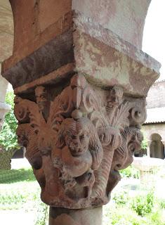 ROMÁNICO EN NUEVA YORK. THE CLOISTERS MET. Claustro de Saint Michel de Cluxa. Capitel 6