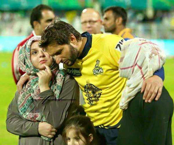 Shahid Afridi Family : 'He Feels Blessed To Have Four