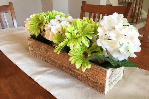 Easy Spring Centerpieces from Kay's Place