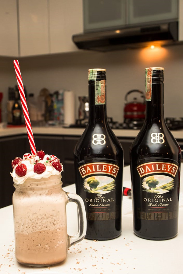 Frozen-Hot-chocolate-frambuesas-Baileys
