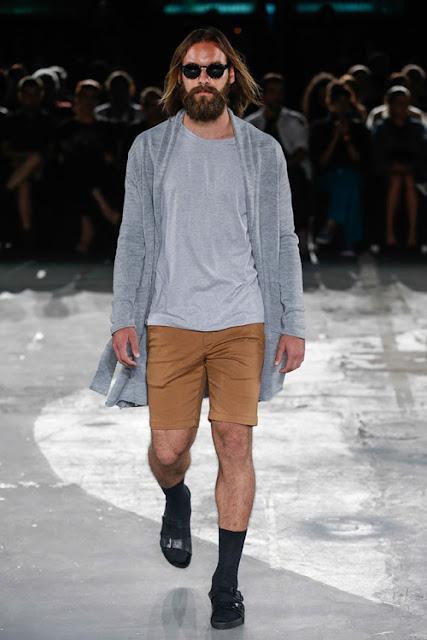 como usar cinza, look masculino para inverno, camiseta cinza masculina (1)