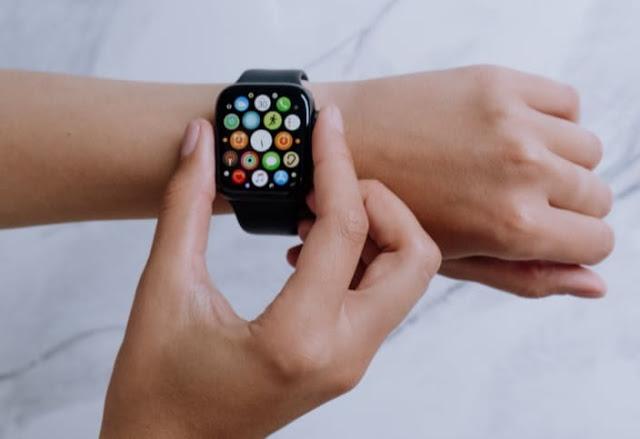 قد تحتوي ساعات Apple في المستقبل على حساسات غلوكوز ودرجة حرارة الجسم