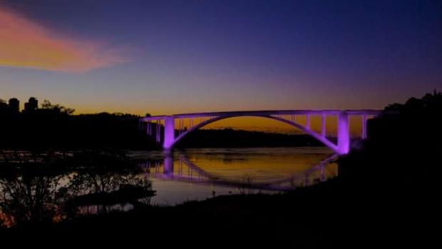 Fronteira de Brasil e Paraguai terá Natal de Águas e Luzes integrado