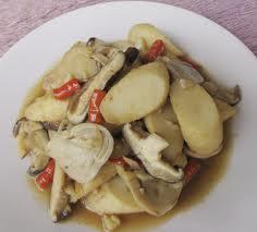akhir ini olahan jamur memang semakin popular karena kalau saya tahu bahwa rasa dari olaha Resep Masakan Cara Bikin Oseng-Oseng Jamur Merang
