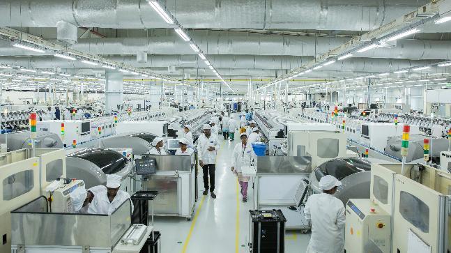 ستستأنف شركات XIAOMI , OPPO , VIVO و Samsung تصنيع الهواتف الذكية في الهند