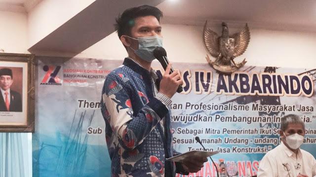 Fedri Ramadhan, Presenter TVRI Pusat saat jadi MC di Munas IV Akbarindo pada Kamis, 8 April 2021 di Ambhara Hotel, Jakarta. (Dok. Istimewa)