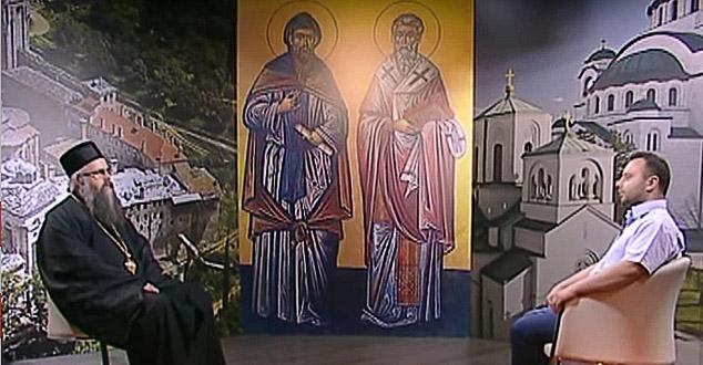 """Тема емисије била је најпре Епархија Рашко - призренска и косовско метохијска у егзилу, зашто и како се нашла у том положају.   Храброст и одважност аутора ове емисије у многоме је допринела да се чује и глас прогнаних монаха са Косова и Метохије али и народа који је остао веран својој Цркви. Препоручујемо емисију као одличну прилику да се боље упозна рад епархије у егзилу. """"Хорепископ, """"Максим, #новобрдски, """"панонски, #телевизија,м #емисија, #Само, #Словенски"""