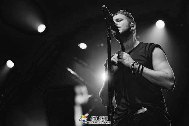 Was Ryan taking off his shirt? OneRepublic Native Live in Malaysia 2013