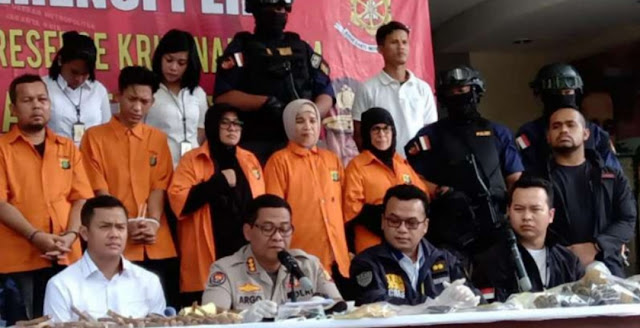 Polisi Ringkus Enam Orang Mau Gagalkan Pelantikan Presiden dengan Bola Berpeledak