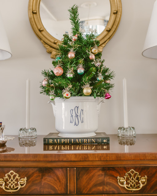 Inexpensive and Easy Christmas Decor