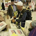 Wow! Ada Pembagian Air Zamzam '2019 Ganti Presiden' di Jeddah, Arab Saudi