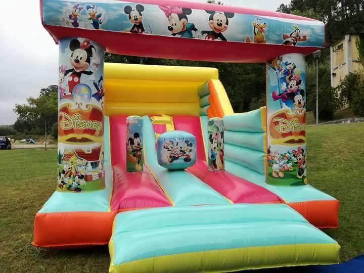 Insuflável: Mickey/Minnie | Troll - Soluções para Eventos