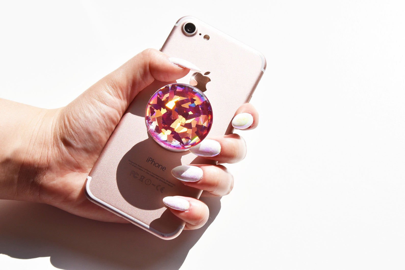 pop socket, gift guide 2019, girls gift guide, self care gifts