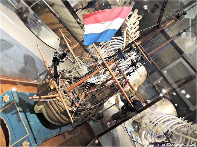 Maqueta de Filibote Holandés en el Museo de las Ballenas de New Bedford