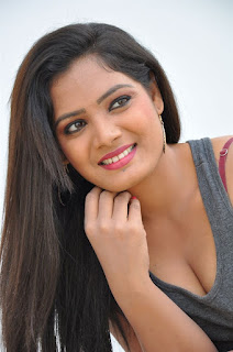 Telugu actress Avanthilka Photos
