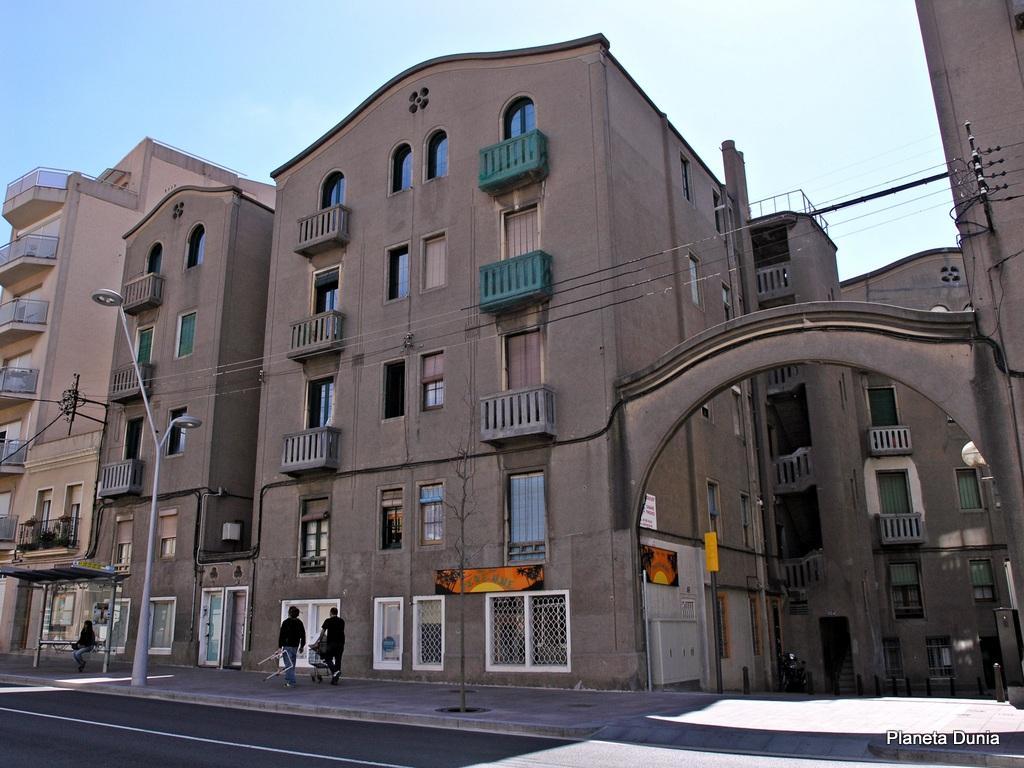 Planeta dunia ruta modernista por sant feliu de llobregat - Alquiler pisos sant feliu de llobregat ...