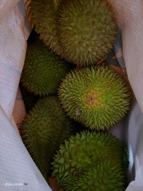 Durian Kiriman Suami