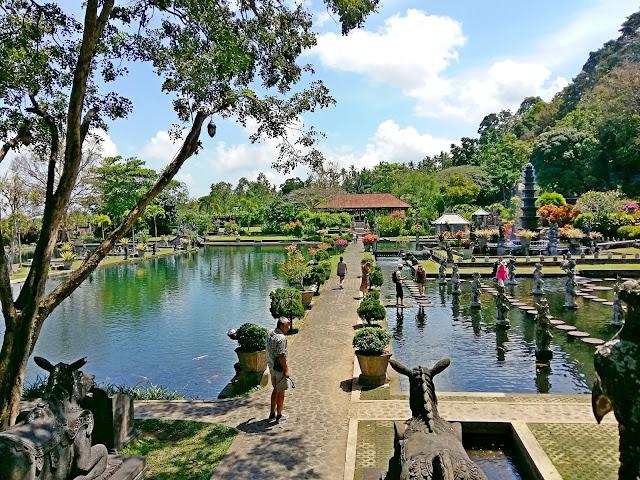 Тирта Ганга — водный дворец (Tirta Gangga )