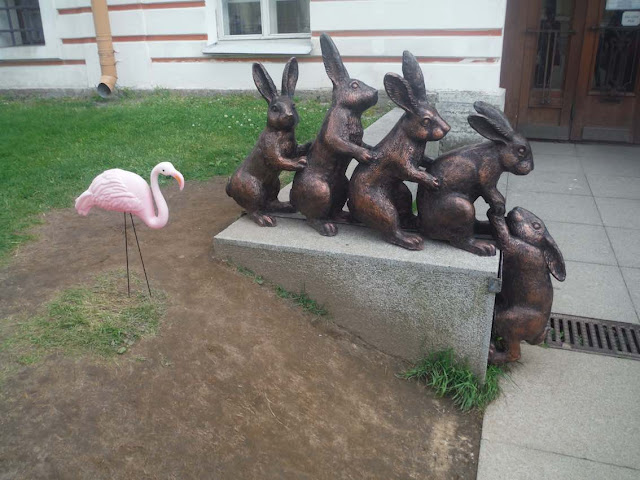 Travel toy with the bunny statues at Peter and Paul Fortress