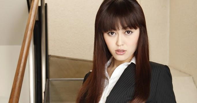 Fahrani Koleksi Foto Bugil: Kinky Haruna Sekretaris Cantik Doyan Pamer Memek