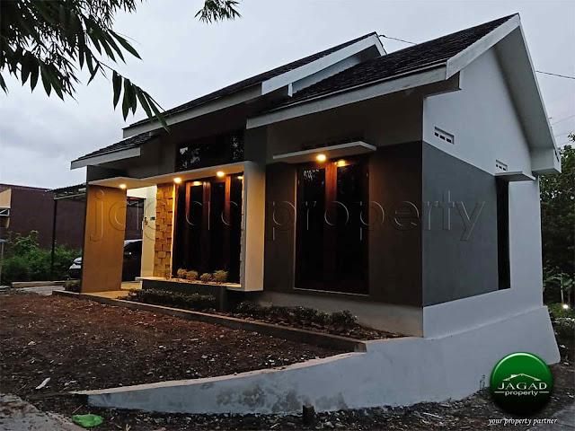 Rumah Mewah Minimalis di Bangunjiwo