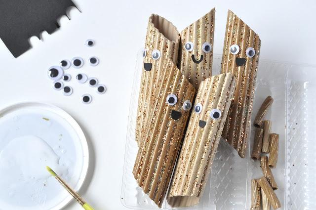 для детей, из макарон, мгрушки, человечки, игрушки из макарон, поделки из макарон, из макарон своими руками, поделки из еды, своими руками, поделки своими руками, человечки сказочные, для детей, игрушки, мастер класс,http://prazdnichnymir.ru/ Макаронные человечки (МК)