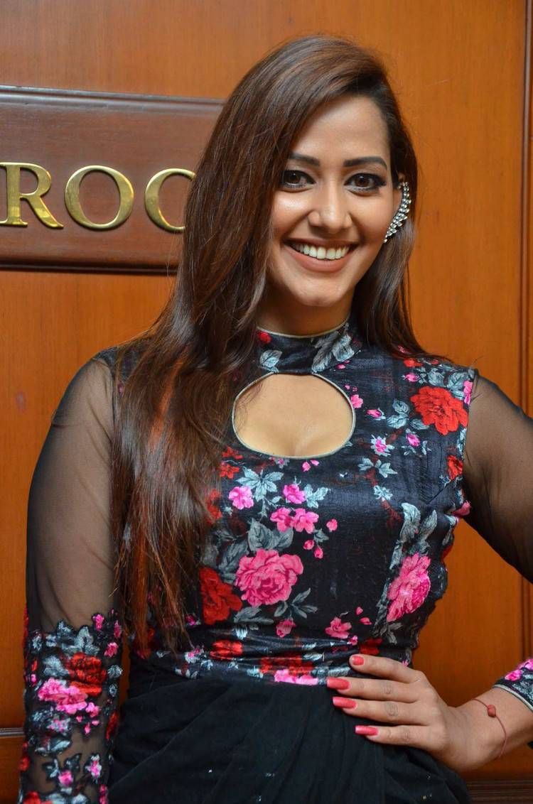 Sanjana Singh At Maya Thirai Web Series Show Launch Stills