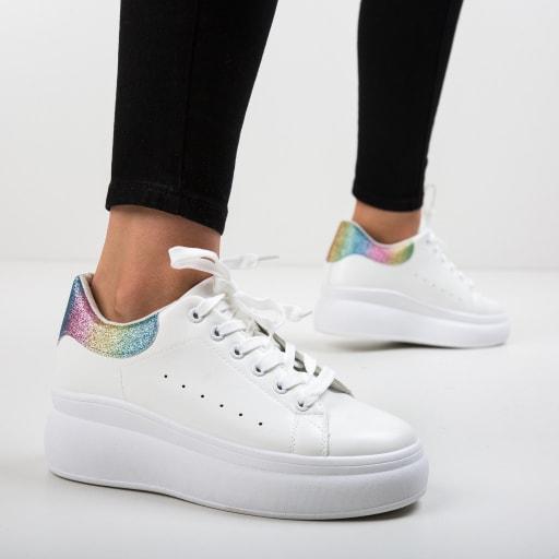 Pantofi sport albi cu talpa groasa si print colorat