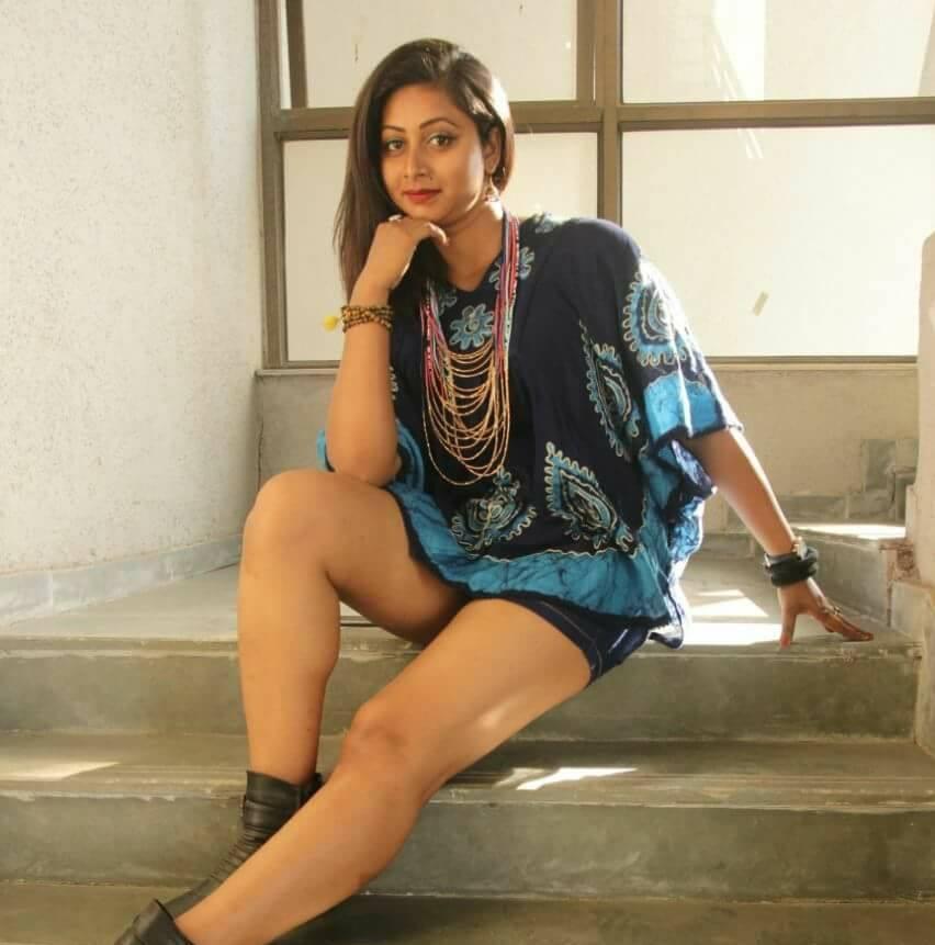 Bhojpuri Actress Glory Mohanta in Hot photo, hot image
