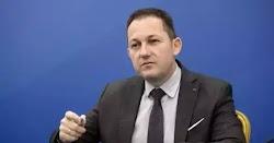 Ο κυβερνητικός εκπρόσωπος Στέλιος Πέτσας, κατά τη διάρκεια τηλεοπτικών του δηλώσεων, δεν απέκλεισε την λήψη νέω μέτρων που σημαίνει πως ετοι...