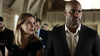 Ricky Whittle and Betty Gilpin in American Gods (35)