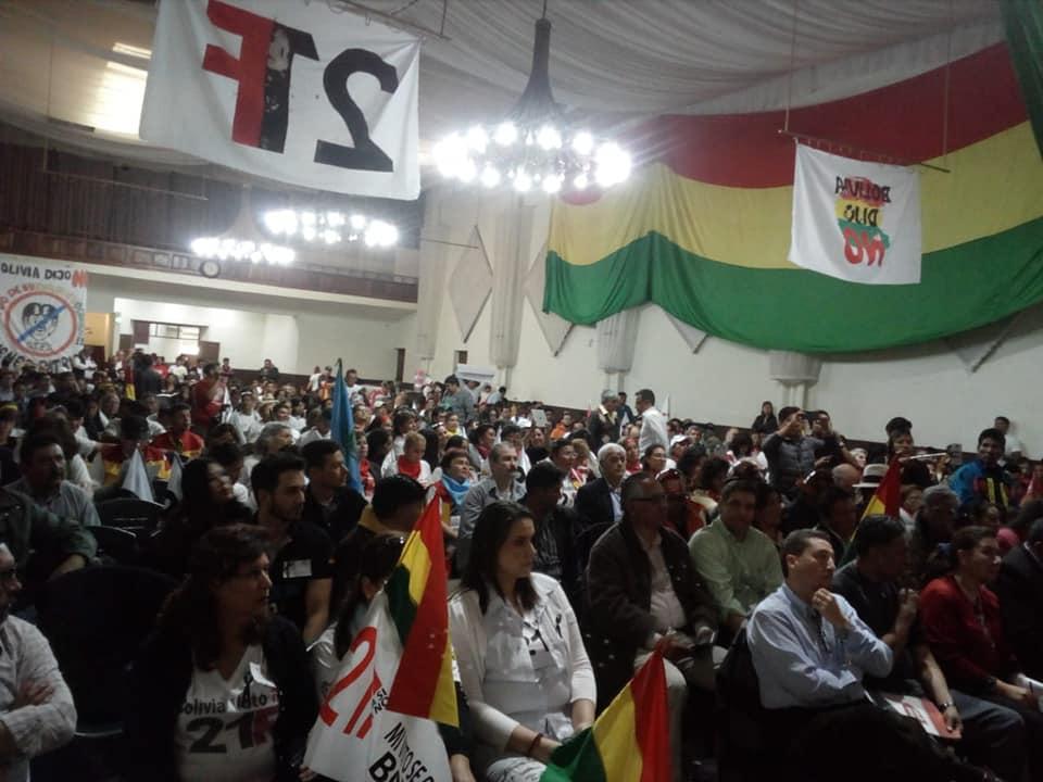 Congreso de Sucre del 21F convocó a activistas, analistas, políticos e incluso periodistas / RRSS