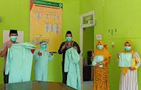 PHPS Universitas Indonesia Bantu APD Puskesmas Jatibaru Kota Bima