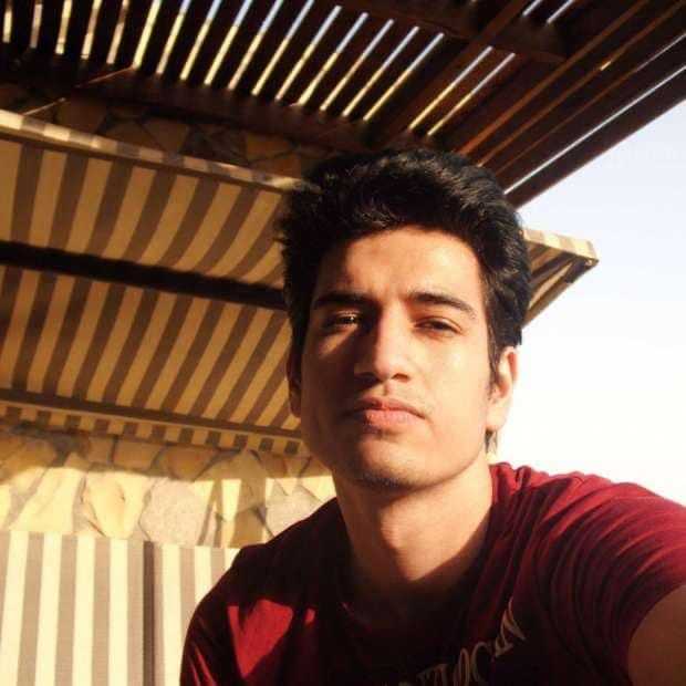 بالفيديو.. شاهد لحظة انتحار المهندس المصري نادر محمد أحمد من أعلي برج القاهرة