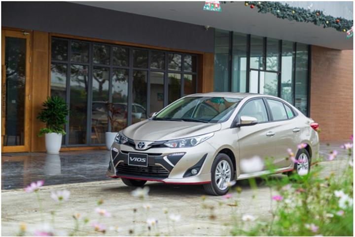 Toyota Vios vững vàng ngôi vị độc tôn