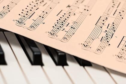 700 Daftar Lagu Populer Tahun 90an dan Awal 2000an