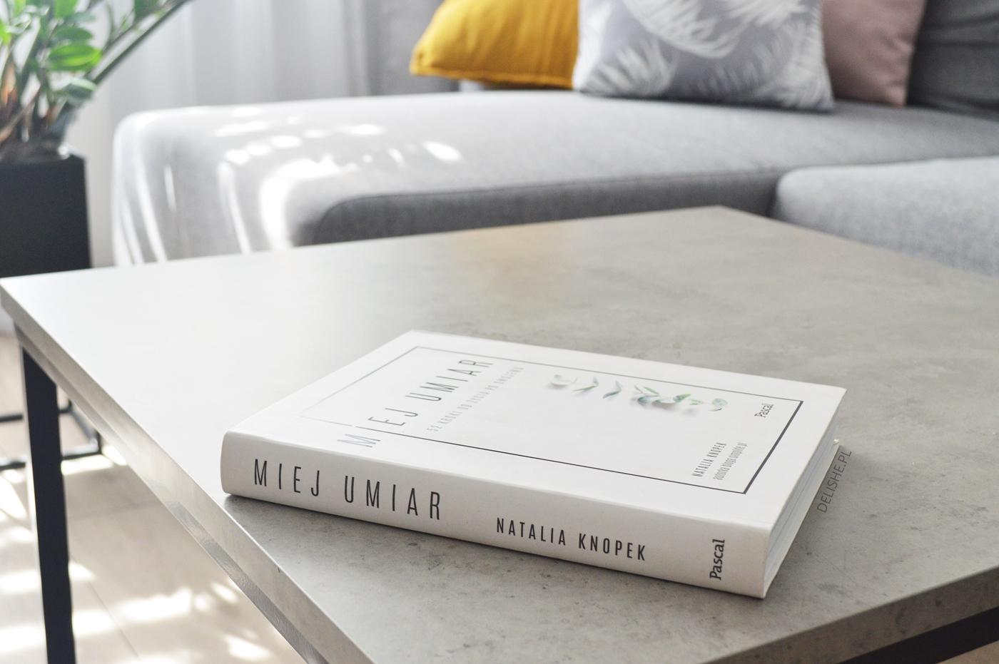 miej umiar minimalizm książki na wakacje