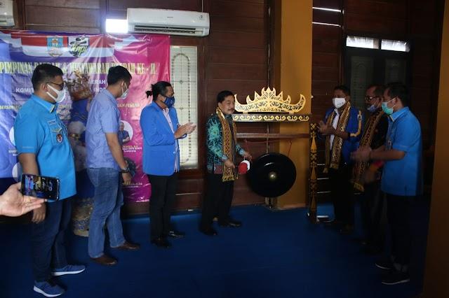 Pjs. Bupati Pesisir Barat, Achmad Chrisna Dorong Generasi Muda berperan dalam Pembangunan